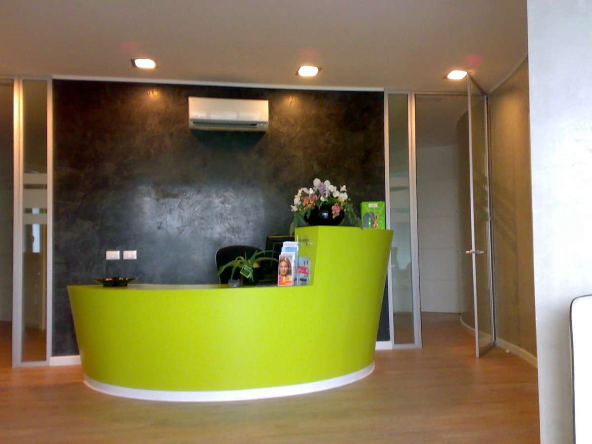 Banco reception in cartongesso dc49 pineglen for Arredamento in cartongesso